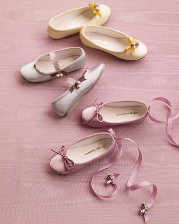 mwd104873_fall09_shoes2_xl